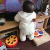 生後9ヶ月[42週目]:つかまり立ちからの転倒で大泣き!